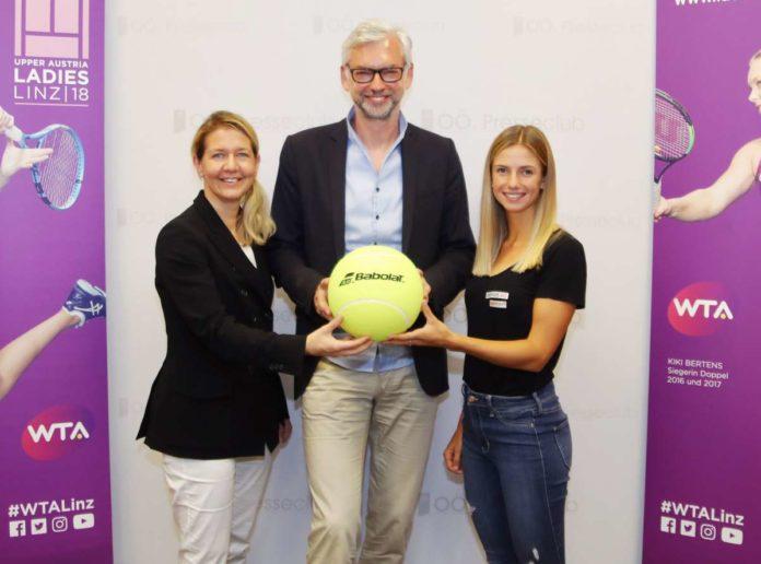 Lokalmatadorin Barbara Haas, LH-Stv. Sportreferent Michael Strugl und Turnierdirektorin Sandra Reichel (von rechts) dürfen sich auf eine tolle Tenniswoche im Oktober freuen.
