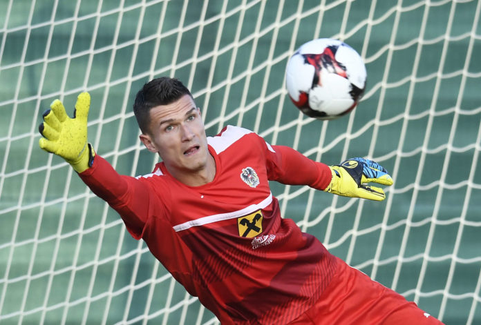 Der 30-jährige Torhüter Pavao Pervan ist beim VfL Wolfsburg schon angekommen und fühlt sich bei den Wölfen sehr wohl.Pavao Pervan in Aktion (bei einem Training mit dem Nationalteam).