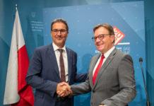 Nordtirols Landeshauptmann Platter mit seinem Südtiroler Kollegen Arno Kompatscher, der auch nicht gerade ein energischer Verfechter der Doppelstaatsbürgerschaft ist.