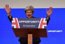 Betont locker gab sich Theresa May zum Abschluss des Tory-Parteitages.