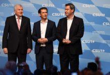 Bundeskanzler Sebastian Kurz eilte gestern Abend nach München, um die CSU-Granden Horst Seehofer (l.) und Markus Söder (r.) im Wahlkampf-Finish zu unterstützen.