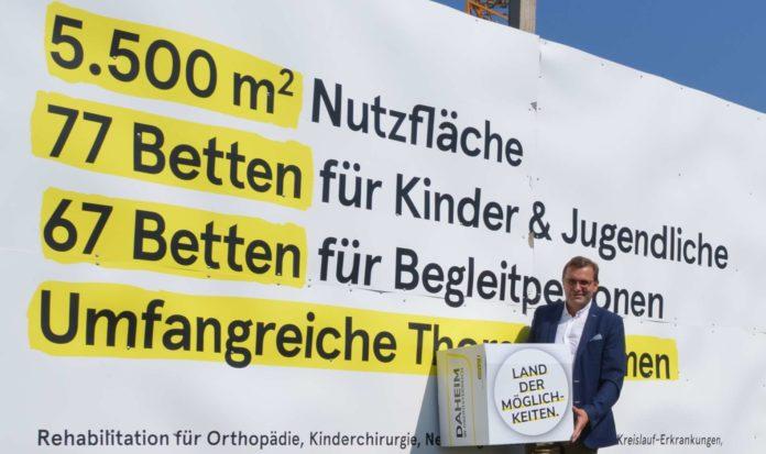 Für LAbg. Georg Ecker ein Zukunftsprojekt: In Rohrbach-Berg wird ein Kinderreha-Zentrum errichtet.