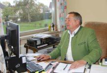 """Ein """"politischer Arbeitsplatz"""" bleibt Franz Weinberger erhalten — jener des Bürgermeisters von Altheim. Bleibt er wie geplant bis 2021 im Amt, dann bringt er es auf 30 Jahre als Ortschef. Und auch wenn Computer, Smartphone und Social Media für ihn im politischen Alltag selbstverständlich sind, hält der 63-Jährige eines auch fest: """"Die oberste Prämisse ist der persönliche Kontakt, da geht nichts drüber."""""""