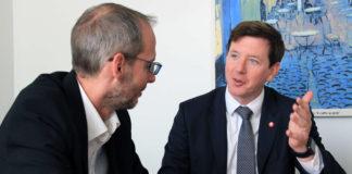 Peter McDonald (r.), Präsident der SPORTUNON Österreich, im Gespräch mit Roland Korntner.