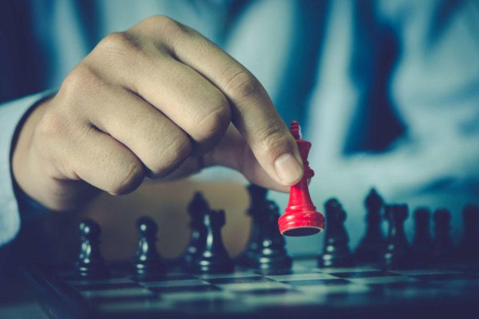 Wie bei einer Schachpartie beherrscht vor allem Taktik die Metaller-KV-Verhandlungen.