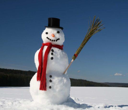 Heute fallen die ersten Schneeflocken. Die winterlichen Verhältnisse bleiben die gesamte Woche erhalten. Die Temperaturen liegen rund um den Gefrierpunkt.