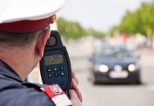 Aktion Scharf bei der Polizei: Am Wochenende sind den Beamten bei einer Schwerpunktkontrolle neun Autos mit Laserblockern, die die Radargeräte irritieren, ins Netz gegangen.