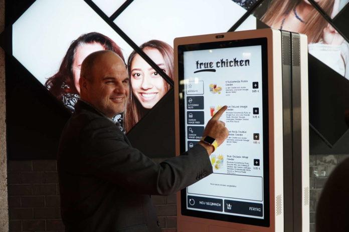 """Alexander Platzl: """"Wir eröffnen in der PlusCity das digitalste Restaurant Österreichs."""""""