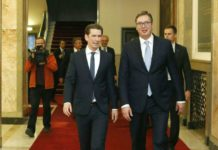 Kurz (links) machte sich bei einem Treffen mit Serbiens Präsidenten Aleksandar Vucic für eine Lösung im Kosovo-Konflikt stark.