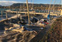 Versunkene Flotte: Zahlreiche Boote wurden von den riesigen Wellen am Attersee versenkt.