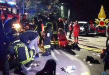 Bilder des Schreckens: Vor der Discothek lagen Tote und Verletzte.
