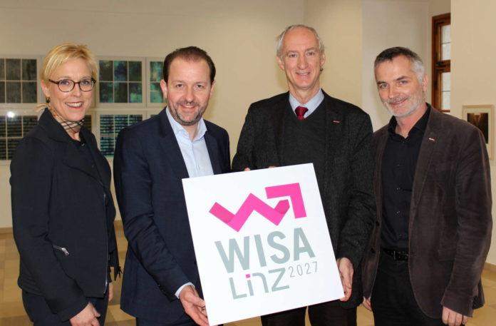V. l.: Anke Merkl (Abteilungsleitung Wirtschaft und EU), Vbgm. Bernhard Baier, Klaus Schobesberger (Obmann WKO Linz-Stadt) und Thomas Denk (Bezirksstellenleiter WKO Linz-Stadt).