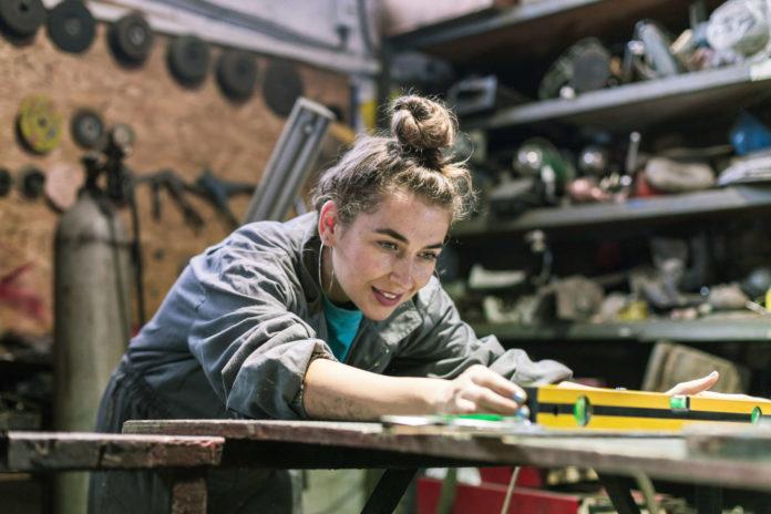 70 junge Frauen haben sich 2018 für den Modullehrberuf Metalltechnik entschieden. Das Interesse bei den Mädls steigt.