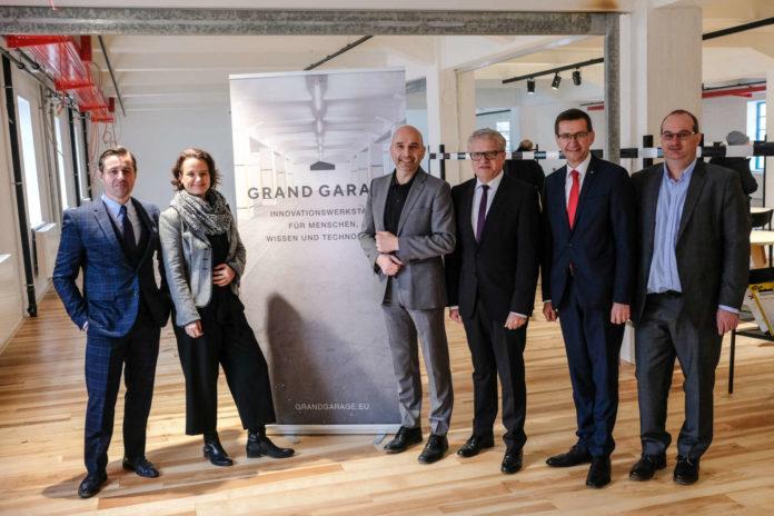 V. l.: Werner Arrich (Geschäftsführer Grand Garage), Bgm. Klaus Luger, LR Markus Achleitner