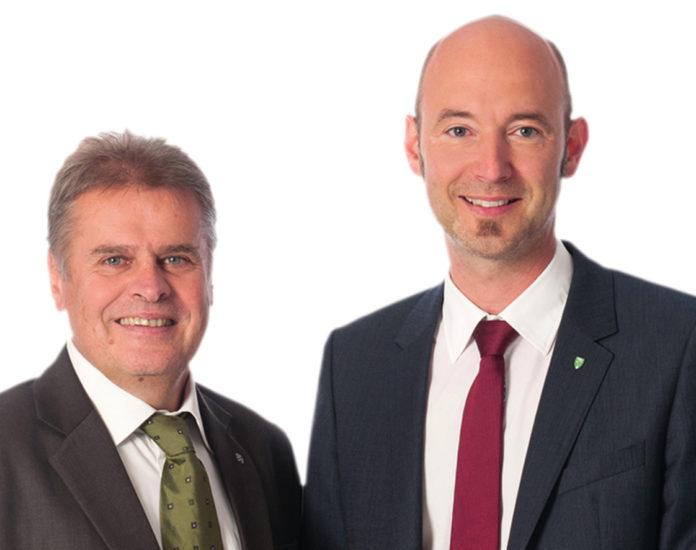 Für Stadtrat Gunter Mayrhofer (l.) und Fraktionschef Markus Spöck vom Wahlbündnis ÖVP/Bürgerforum macht nur eine Komplettsanierung des Grünmarktes Sinn.