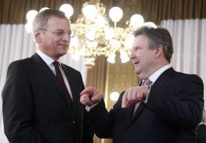 Gut vorbereitet: LH Stelzer mit Wiens Bürgermeister Michael Ludwig bei der Brexit-Landeshauptleutekonferenz.