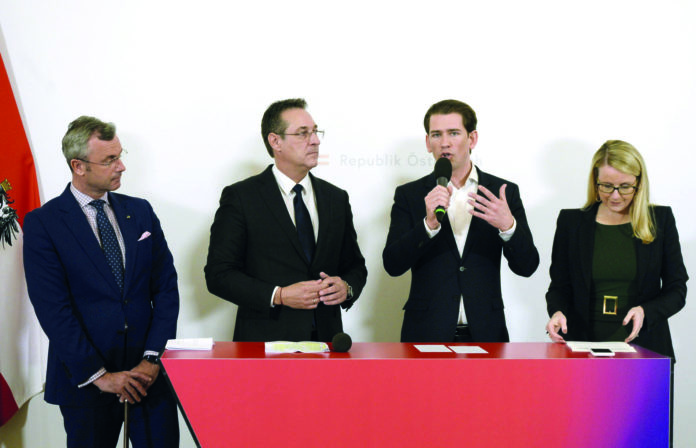 Präsentierten gestern die digitale Amtsplattform (v. l.): Verkehrsminister Norbert Hofer (FPÖ), Heinz-Christian Strache (FPÖ), Bundeskanzler Sebastian Kurz (ÖVP) und Wirtschaftsministerin Margarete Schramböck (ÖVP).