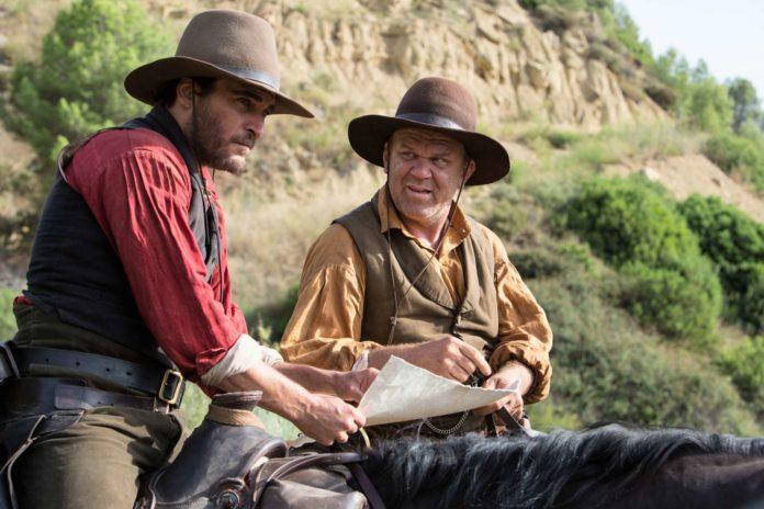 Joaquin Phoenix (Charlie) und John C. Reilly (Eli) sind zwei ungleiche Brüder, die aber als erfolgreiche Killer Sisters Brothers nicht zu trennen sind.