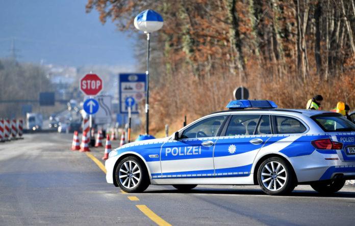 Die Grenzkontrollen zwischen Bayern und Österreich werden erneut um ein halbes Jahr verlängert.