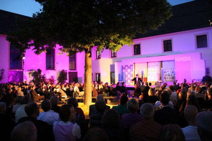 Nicht nur das Ambiente auf Schloss Zell begeistert das Publikum