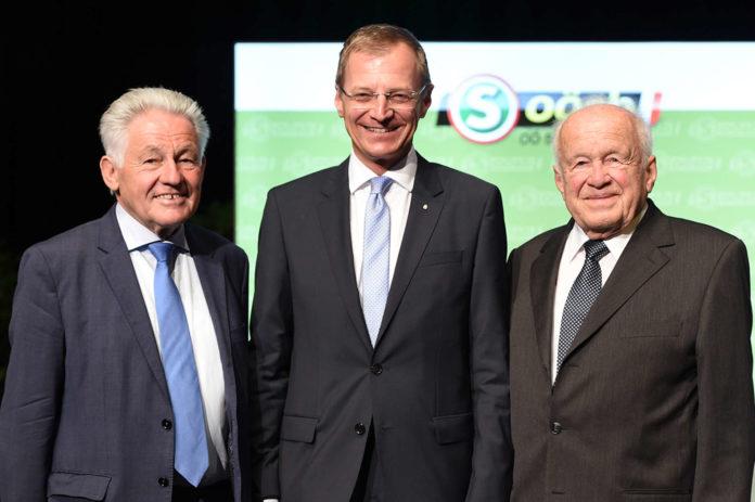 Drei oberösterreichische Landeshauptmänner gemeinsam auf einem Bild (v. l.): Josef Pühringer, Thomas Stelzer und Josef Ratzenböck.