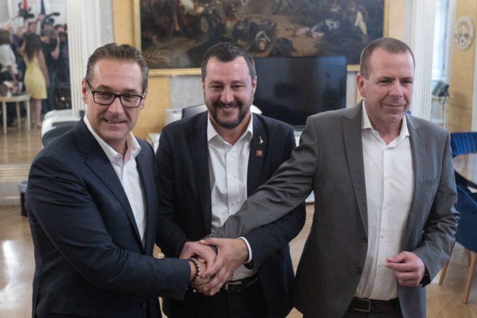 Teure Freundschaft: Schuldenpolitiker Salvini (im September 2018) mit FPÖ-Duo Vilimsky (r.) und Strache.