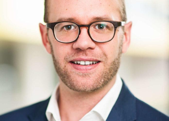 Der gebürtige Salzburger Raphael Friedl studierte an der JKU sowie der Limak und ist seit 2013 bei der Tech2b.