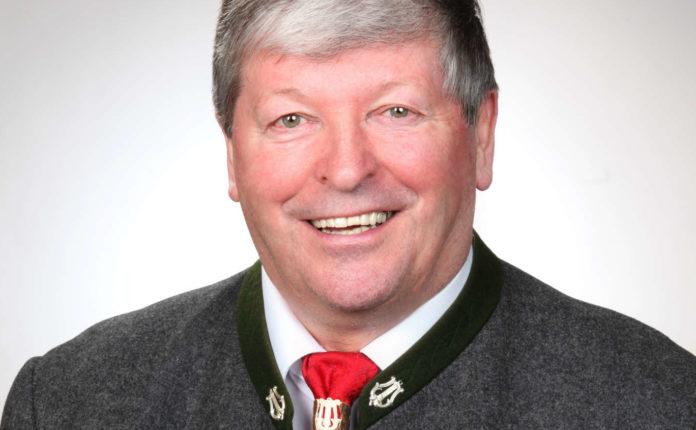 Josef Lemmerer, Präsident des OÖ. Blasmusikverbandes, feiert heute seinen 70. Geburtstag.