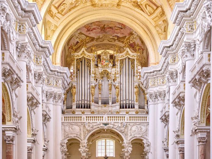 """Wo sind die Grenzen des Menschen? An der Brucknerorgel in St. Florian werden sie immer wieder ausgelotet. Auch beim """"AI x Music Festival"""", das vom 6. bis 8. September stattfindet."""