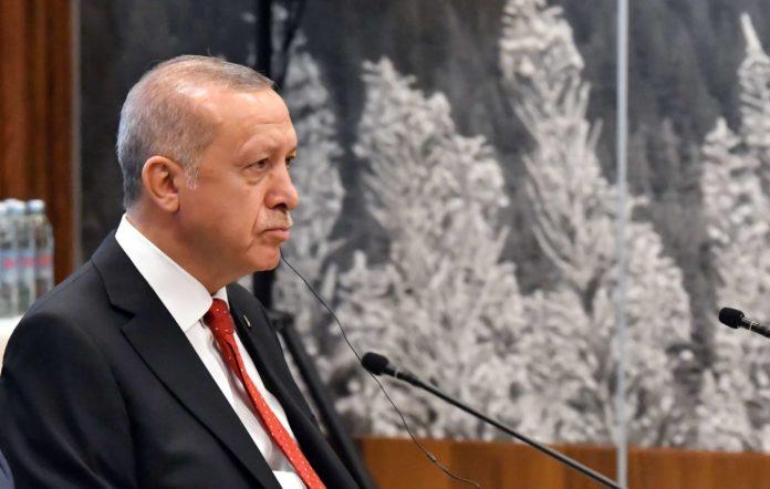 Erdogans Spitzenunwesen versetzt Austro-Türken in Angst und macht den Türkei-Urlaub zum Hochrisikoprojekt.