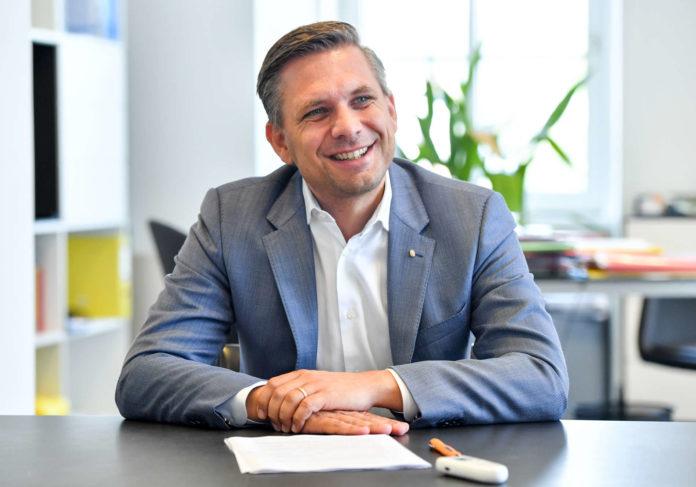 OÖVP-Landesgeschäftsfüher Wolfgang Hattmannsdorfer hat noch einen Familienurlaub an der Adria vor sich, ehe es in Sachen Nationalratswahlkampf ans Eingemachte geht.