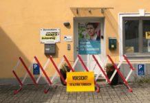 """""""Totalitäre Tendenzen""""musste sich die ÖVP vorhalten lassen, weil sie Bewegungen wie die Identitären verbieten will. Anhänger der Identitären hatten dieser Tage die OÖVP-Bezirksgeschäftsstelle Schärding verrammelt. Die Polizei ermittelt, der Verfassungsschutz ist informiert."""