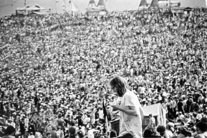 1969 war der Andrang auf das Festival mehr als doppelt so groß als von den Veranstaltern erwartet. Dies führte zu zahlreichen Missständen – und doch wurde Woodstock zum legendärsten Musikfestival aller Zeiten.