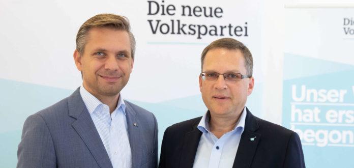 Die beiden ÖVP-Sozialsprecher Wolfgang Hattmannsdorfer (Land OÖ/l.) und August Wöginger (Bund) setzen sich für eine nachhaltige Absicherung der Pflege ein.