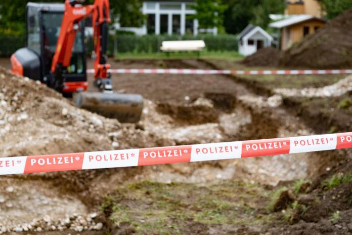 Die Bauarbeiten in Pucking wurden nach dem Knochenfund gesperrt.