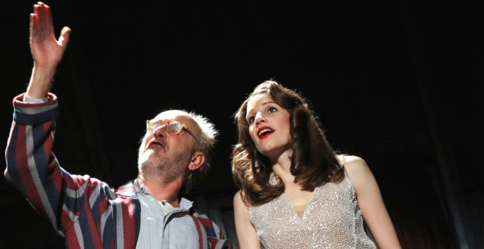 "Anna Rieser mit Sebastian Hufschmidt in ""Dogville""."