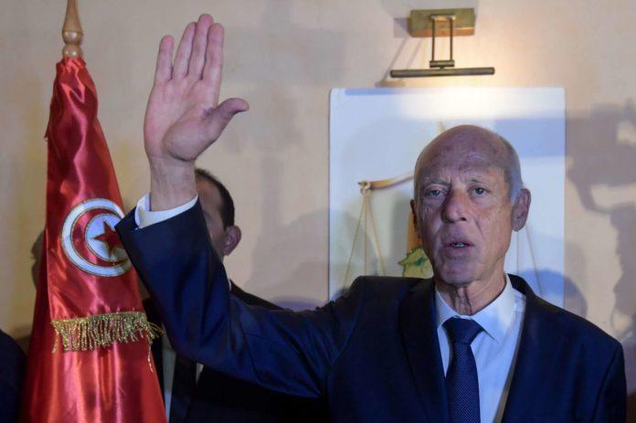 Tunesiens neuer Präsident Saied: Für Todesstrafe und gegen öffentliche Zärtlichkeit.