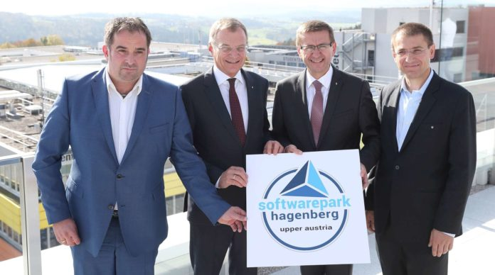 Michael Affenzeller, LH Thomas Stelzer, LR Markus Achleitner und Gerhard Eschelbeck präsentierten die neue Schwerpunktsetzung des Softwareparks Hagenberg. Künftig soll dieser ein Top-Zentrum für IT-Security werden.