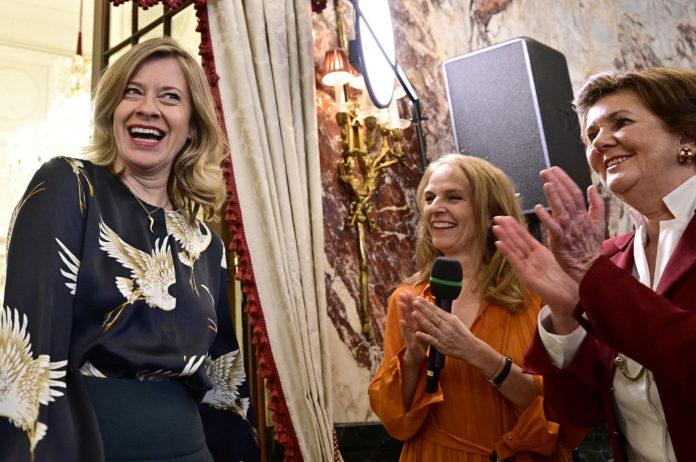 """Wurde gestern offiziell in Wien als neue Buhlschaft im """"Jedermann"""" präsentiert: Caroline Peters"""