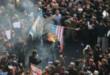 Teufelskreis des Hasses: Zornige Iraner verbrennen in Teheran israelische und amerikanischen Flaggen.