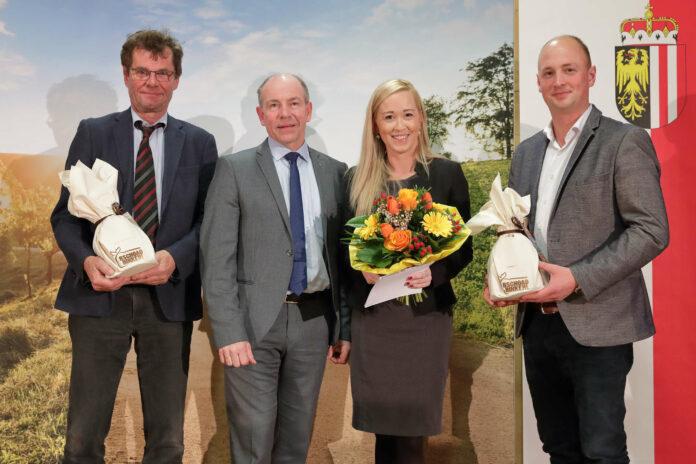 V. l.: Krumphuber, Hiegelsberger, Moderatorin Sabine Kronberger, Verhaagh.