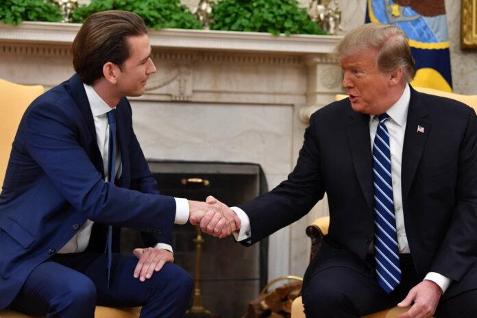 Kurz 2019 beim US-präsidenten (o.), rechts mit Botschafter Traina, der Trumps Wiedersehenswunsch überbrachte.