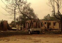 Nach der verheerenden Feuersbrunst in Mallacoota, bei dem viele Einheimische alles verloren haben, ist der Zusammenhalt in dem Dorf an der Südostküste Australiens groß.