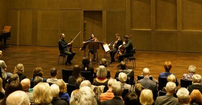 Begeisterten: Musiker des Bruckner Orchesters