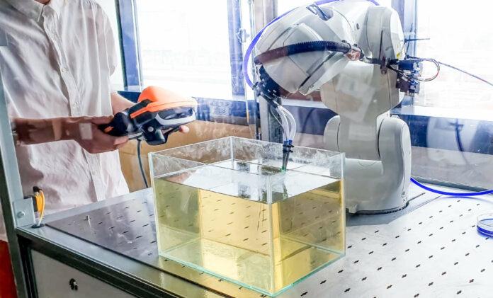 """Zukunftsmusik: Stoffe, die 3D im Labor wachsen und von Robotern""""gezüchtet"""" werden."""