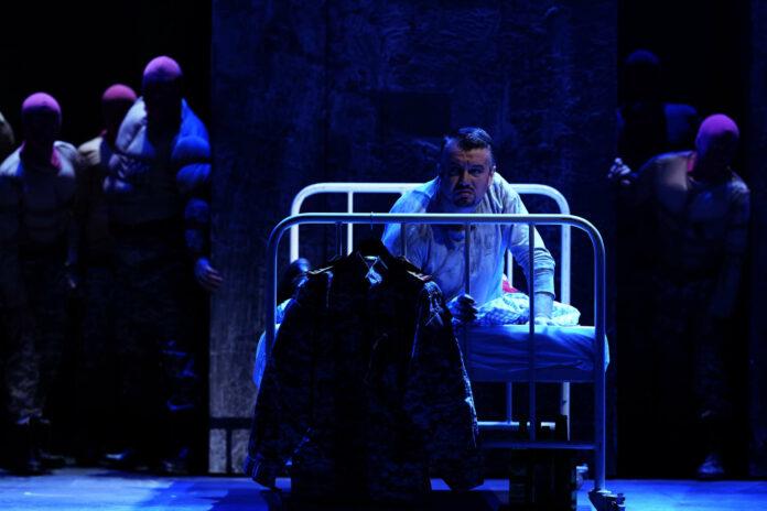 Federico Longhi wusste Samstagabend in Linz in seiner fordernden Rolle als Graf Luna zu beeindrucken.
