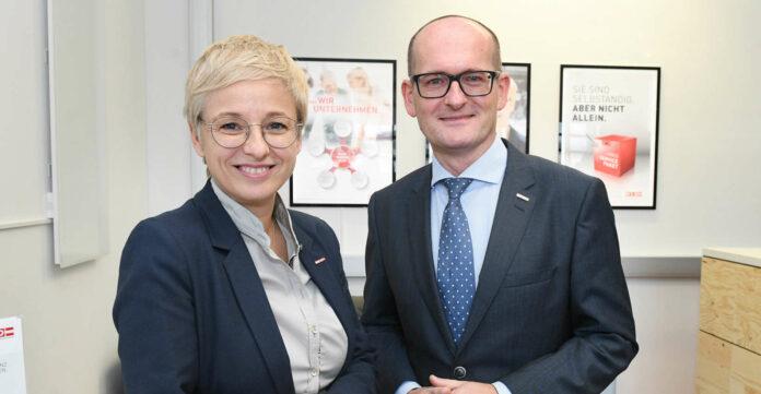 Einsatz für die Unternehmen: WKOÖ-Präsidentin Doris Hummer mit WKOÖ-Direktor-Stv. Gerald Silberhumer.