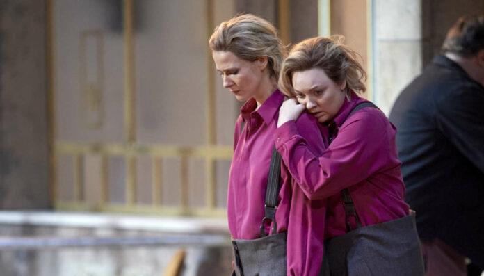 Leonore gespielt und gesungen: die Schauspielerin Katrin Röver (l.) und die Sängerin Jennifer Davis