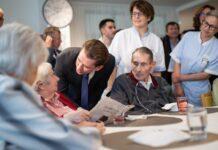 """Dass die Bundesregierung die Pflegereform ganz oben auf der """"To-Do-List"""" hat, zeigt sich auch darin, dass der erste """"Staatsbesuch"""" der Regierungsspitze mit Bundeskanzler Sebastian Kurz ins Wiener Haus der Barmherzigkeit führte."""