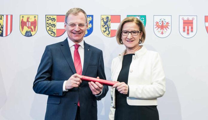 LH Thomas Stelzer und LH Johanna Mikl-Leitner